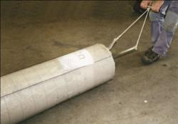CARPET ROLL PULLING DEVICE